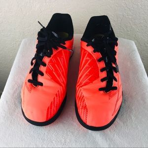 Nike T90 indoor cleats sneaker size 5 1/2 youth